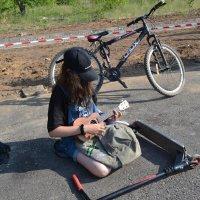 Маленькая гитаристка... :: Георгиевич