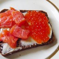 Бутерброд с икрой и рыбой :: Елен@Ёлочка К.Е.Т.
