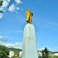 Смотровая площадка с памятником Ленину в Кореизе :: Елена (ЛенаРа)