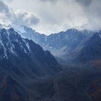 Пики хребтов, окружающих ущелье Проходное, Южный Казахстан :: Natalya Danilova