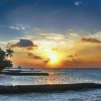 Rannalhi Club island. Maldives :: Voyager .