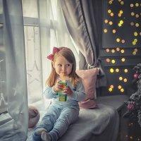 У елки :: Надежда Антонова