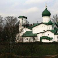 Церкви и монастыри Пскова :: Галина Ильясова
