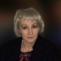 Дама в сиреневом :: Надежда Парфенова