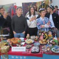 Студенты из солнечного Узбекистана :: Дмитрий Никитин