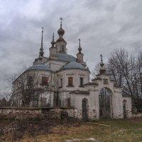 Свято-Никольский храм :: Сергей Цветков