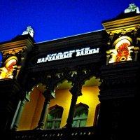 Вечерний вид  старинного здания :: Евгений БРИГ и невич