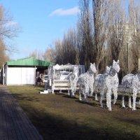 Подарок для аксайчан - светящаяся карета с упряжкой из шести лошадей :: Татьяна Смоляниченко