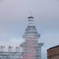 Ледяная кремлевская башня :: Александр Чеботарь