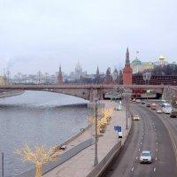 "Вид на набережную с ""парящего"" моста. :: Люба"