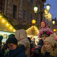 Рождественская ярмарка на Манежной площади. :: Виктор Орехов