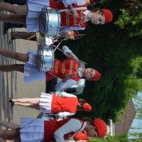 Городской праздник :: Глеб Дубинин