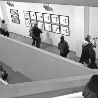 На  выставке :: Людмила Волдыкова