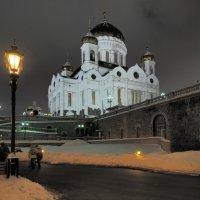У храма Христа Спасителя :: Евгений Седов
