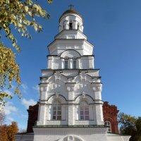 Возрожденный храм во имя святителя Митрофана Воронежского в Саратове :: Лидия Бараблина