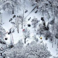 А у нас во дворе...снег ! :: Анатолий Колосов