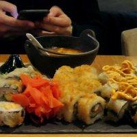 Роллы с морепродуктами, запечённые - это вкусно! :: Татьяна Смоляниченко