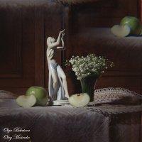 Натюрморт со статуэткой и яблоками :: Ольга Бекетова