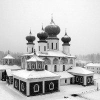 Тихвинский Свято-Успенский собор :: Зуев Геннадий