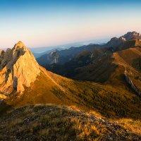 Гора Ачешбок и гора Тхач. :: Владимир Востриков