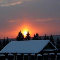Закат в деревне, завтра новый день :: Любовь Чащухина