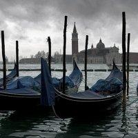 И в ненастье  Венеция  очаровывает :: АЛЕКС