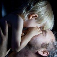Отцовская любовь :: Nikol Bredikhina