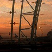 Утро в аэропорту Гуанчжоу :: Дмитрий .