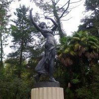 Скульптура в Дендрарии :: Татьяна ***