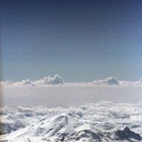 Эльбрус над облаками :: Марина Матвеева