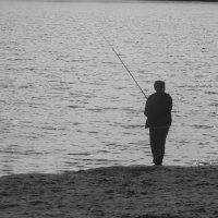 Осень.Рыбак. :: Сашенька)