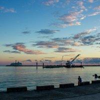 Морской порт Сочи 4 :: Павел Гриценко