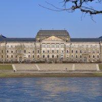 Дрезден. Министерство финансов Саксонии. :: D. S.