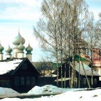 около монастыря :: Сергей Кочнев