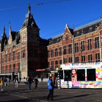 Амстердам. Трамвай на площади возле ЖД вокзала :: Татьяна Ларионова