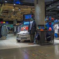 В Торговом Центре :: юрий поляков