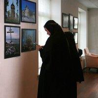 Матушка Александра на православной выставке :: Зуев Геннадий