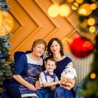 Три поколения милых людей) :: Юлия