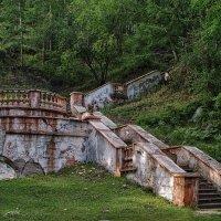 Старинная лестница :: Николай
