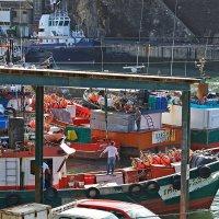 Португальские рыбаки в порту :: Valeriy(Валерий) Сергиенко