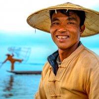 Мьянма рыбак на озере Инле :: Andrey Vaganov