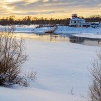 Тает лед на реке :: Любовь Потеряхина