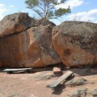 Святой камень...Мама... :: Андрей Хлопонин