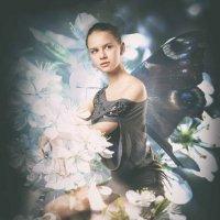 Фея вишневого сада. :: Екатерина Рябинина