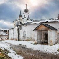 Церковь Сергия Радонежского и солнце :: Юлия Батурина
