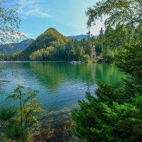 На Изумрудном озере. :: Rafael