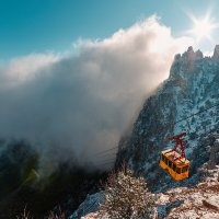 Канатная дорога на гору Ай-петри :: Александр Степанов
