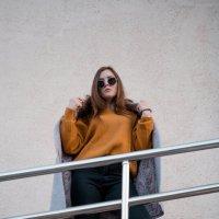 Девушка на улицах города #4 :: Дмитрий Коваленко