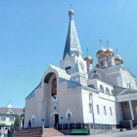 Белый Храм в Караганде. Венчание,многих свадебных пар. :: Андрей Хлопонин