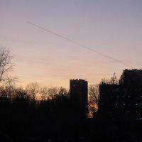Закат с самолётом :: Дмитрий Никитин